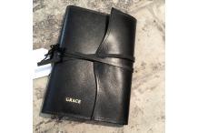 """""""Grace"""" Livre Blanc en cuir noir"""